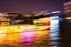 Abstracte achtergrond van lichte motie in de rivier royalty-vrije stock afbeeldingen