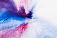 Abstracte artistieke achtergrond van kleurrijke plons Royalty-vrije Stock Foto's