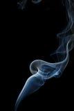 Abstracte blauwe rook van aromatische stokken Royalty-vrije Stock Foto's