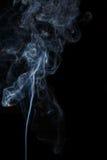 Abstracte blauwe rook van aromatische stokken Royalty-vrije Stock Foto