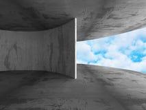 Abstracte Concrete Architectuurbouw op Hemelachtergrond royalty-vrije stock foto's