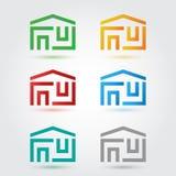 Abstracte die huispictogrammen in kleuren worden geplaatst stock illustratie