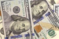 Abstracte dollarrekeningen van verschillende benamingenachtergrond Stock Afbeeldingen