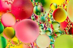 Abstracte en Kleurrijke Bellen die drijven Royalty-vrije Stock Afbeeldingen