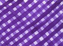Abstracte geometrische gevoerde textuur onregelmatig plaidpatroon, ultraviolette tint Waterverfachtergrond in in kleur vector illustratie