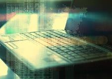 Abstracte geometrische technologie grafische elementen met laptop Royalty-vrije Stock Afbeeldingen