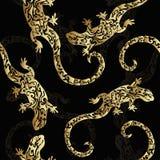 Abstracte gouden krullende voorgestelde hagedissen, naadloos patroon, druk Reptielen van edel metaal op een donkere achtergrond vector illustratie