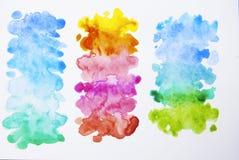 Abstracte hand getrokken waterverfachtergrond, illustratie Kleurrijke textuur met exemplaarruimte stock afbeeldingen