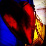 Abstracte het concepten aftappende harten van het achtergrondkleurenonduidelijke beeld Royalty-vrije Stock Foto