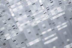 Abstracte high-tech achtergrond Details van transparant plastiek of glas Laserknipsel van plexiglas Royalty-vrije Stock Afbeelding