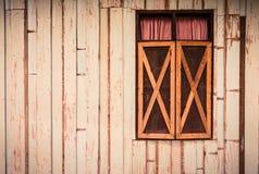 Abstracte houten muur en venstertextuurachtergrond Stock Fotografie