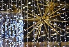 Abstracte Kerstmisachtergrond, Kerstmistextuur van kleurenlichten voor Kerstboom Stock Foto