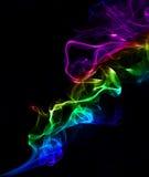 Abstracte kleurrijke achtergrond die met echte rook wordt gemaakt Stock Afbeeldingen