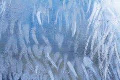 Abstracte kleurrijke grijze, blauwe, witte en groene muur met barsten stock afbeeldingen