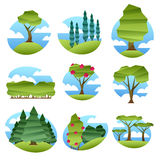 Abstracte lage polystijllandschappen met geplaatste bomen royalty-vrije illustratie