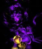 Abstracte multicolored psychedelische dalingen op zwarte achtergrond Royalty-vrije Stock Foto