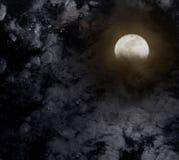 Abstracte nachthemel met volle maan voor Halloween-achtergrond Royalty-vrije Stock Foto