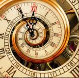Abstracte Nieuwjaarklok De tijd van Kerstmis Nieuwjaar 2018 prentbriefkaar Antieke oude klok abstracte fractal spiraal De samenva royalty-vrije stock foto's
