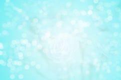 Abstracte onduidelijk beeldachtergrond: Mooie blauwe Bokeh Stock Fotografie