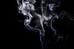 Abstracte rook op een zwarte achtergrond Stock Foto's