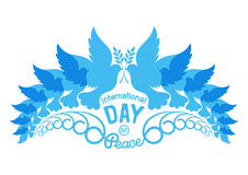 Abstracte silhouetten van duiven met olijfbrunch Illustratie van internationale vredesdag, 21 September Stock Afbeeldingen