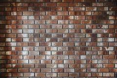 Abstracte stedelijke die achtergrond van bakstenen muur van keurige bruine en witte die bars wordt gemaakt, strak aan elkaar word Royalty-vrije Stock Fotografie
