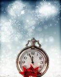 Abstracte vakantieachtergrond met klok dicht bij middernacht Royalty-vrije Stock Afbeelding