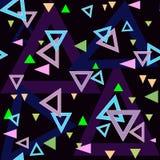 Abstracte van het driehoeken naadloze patroon textuur als achtergrond op zwarte Stock Afbeeldingen