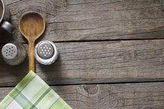 Abstracte voedselachtergrond op uitstekende raad Stock Foto's
