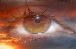 Abstracte wereld in iris in vlammen Stock Afbeelding