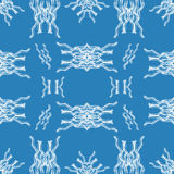 Abstracte witte voorwerpen op blauw naadloos patroon als achtergrond Royalty-vrije Stock Foto