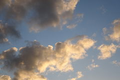 Abstracte wolkenachtergrond Stock Foto's