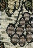 Abstractie voor de achtergrond donkere bruine stof met bloemendieornamenten van bosbladeren worden gemaakt Royalty-vrije Stock Afbeelding