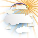 Abstraia o corte do papel Nuvem branca com luz do sol na luz - fundo azul Elemento vazio do projeto da nuvem com lugar para seu t Imagem de Stock Royalty Free