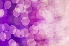 Abstrakcji barwiony rozmyty Światła z ostrości violetta obrazy royalty free