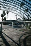 Abstrakcjonistyczna architektura przy Tongva parkiem w Snata Monica, Zdjęcia Royalty Free