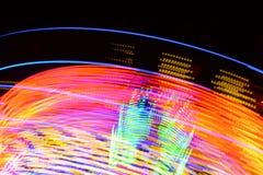 Abstrakcjonistyczna fotografia carousel ruchy przy Grantham W połowie Pożyczającym jarmarkiem 2019 i światła, UK zdjęcia royalty free