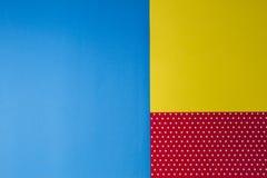 Abstrakcjonistyczna geometryczna błękita, koloru żółtego i czerwieni polki kropka, tapetuje tło Zdjęcie Stock