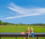 Abstrakcjonistyczna miękka zamazana i miękka ostrość chłopiec i dziewczyny kreskówek d Zdjęcie Royalty Free