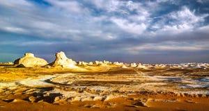 Abstrakcjonistyczna natura rzeźbi w biel pustyni, Sahara Egipt Fotografia Royalty Free