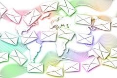 Abstrakcjonistyczna poczta komunikacja na Światowej mapy tle. Zdjęcia Stock