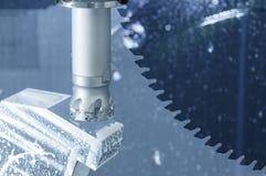 Abstrakcjonistyczna scena tnący narzędzie na CNC ` s mielenia maszynie obrazy royalty free