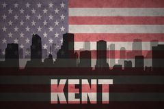 Abstrakcjonistyczna sylwetka miasto z tekstem Kent przy rocznik flaga amerykańską Zdjęcia Royalty Free