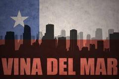 Abstrakcjonistyczna sylwetka miasto z tekstem Vina Del Mącący przy rocznika chilean flaga ilustracja wektor