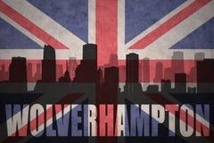 Abstrakcjonistyczna sylwetka miasto z tekstem Wolverhampton przy rocznik brytyjską flaga zdjęcia royalty free