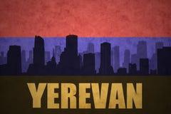Abstrakcjonistyczna sylwetka miasto z tekstem Yerevan przy rocznika armenian flaga Obraz Royalty Free