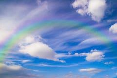 Abstrakcjonistyczna tęcza na niebie Obrazy Stock