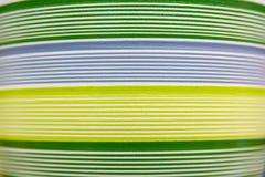 Abstrakcjonistyczne kolorowe linie na glinianych garnkach Obrazy Stock