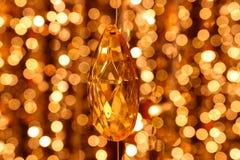 Abstrakcjonistycznego wizerunku Diamentowa dekoracja linie krystaliczny świecznik na złota światła bokeh obrazy royalty free