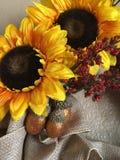 abstrakcjonistycznej jesienią jaskrawe kolory są czerwone liść ładna wzoru semi Obraz Stock